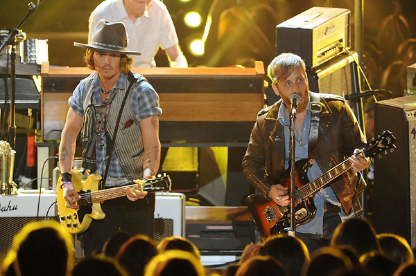 Johnny Depp & The Black Keys on MTV Movie Awards