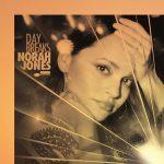 "Nora Džons - ""Carry On"" (singl)"